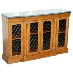 Regency Redwood Jade Grün Marmor Top Bibliothek Regal Schrank Messing Intarsien
