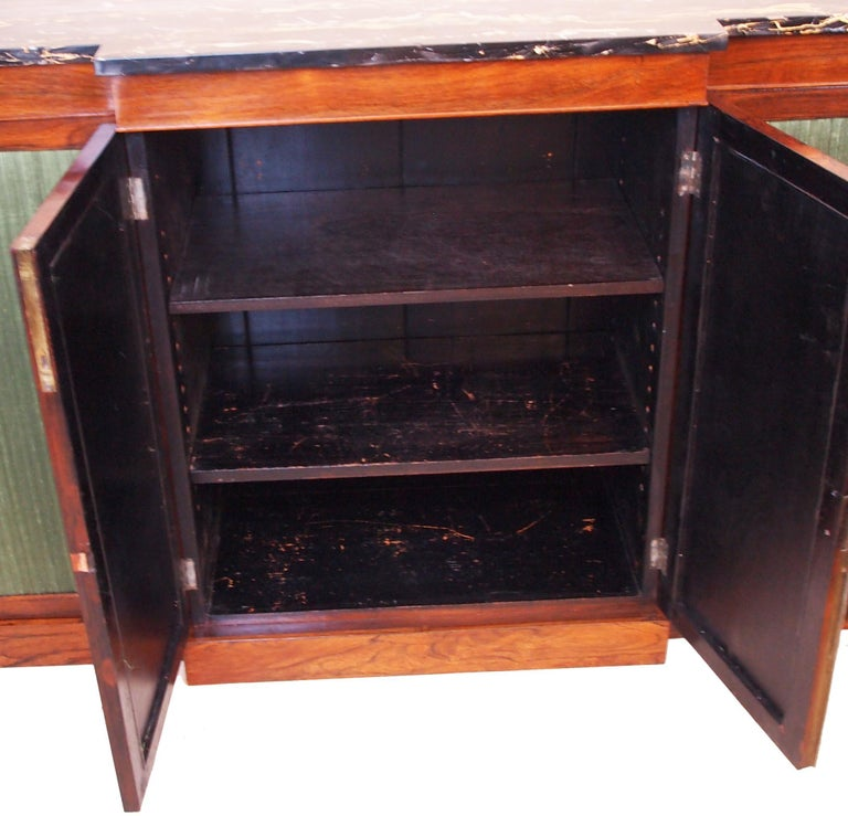 Regency Rosewood 19th Century Breakfront Side Cabinet In Good Condition For Sale In Bedfordshire, GB