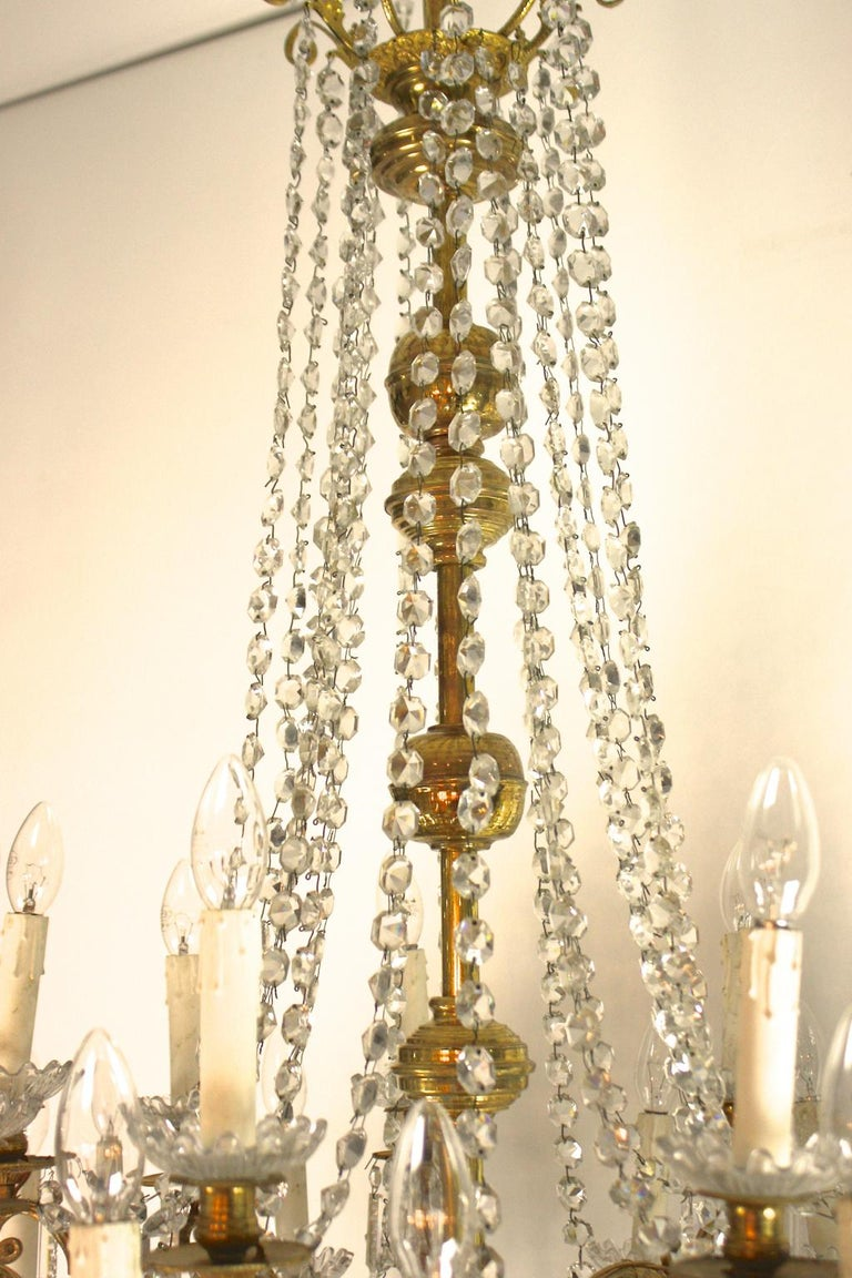 Regency Style 36-Light Gilt-Bronze and Crystal-Cut Chandelier, circa 1860 For Sale 3