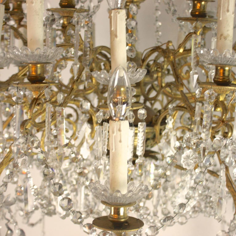 Mid-19th Century Regency Style 36-Light Gilt-Bronze and Crystal-Cut Chandelier, circa 1860 For Sale
