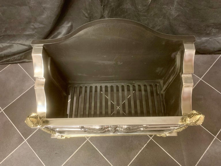Regency Style Brass and Polished Steel Fire Grate Basket In Good Condition For Sale In Edinburgh, GB