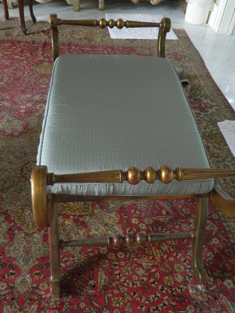 Regency Style Upholstered Window Bench, 20th Century In Good Condition For Sale In Savannah, GA