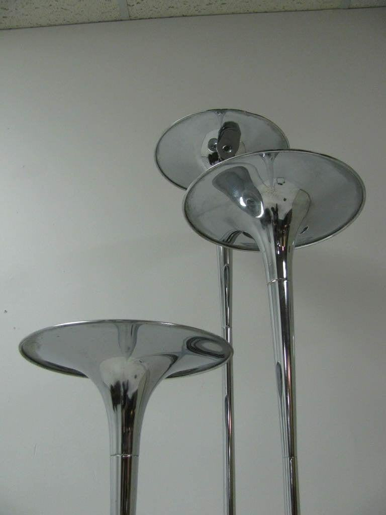 Reggiani Mid Century Modern Trumpet Floor Lamp Italy In Good Condition For Sale In Port Jervis, NY
