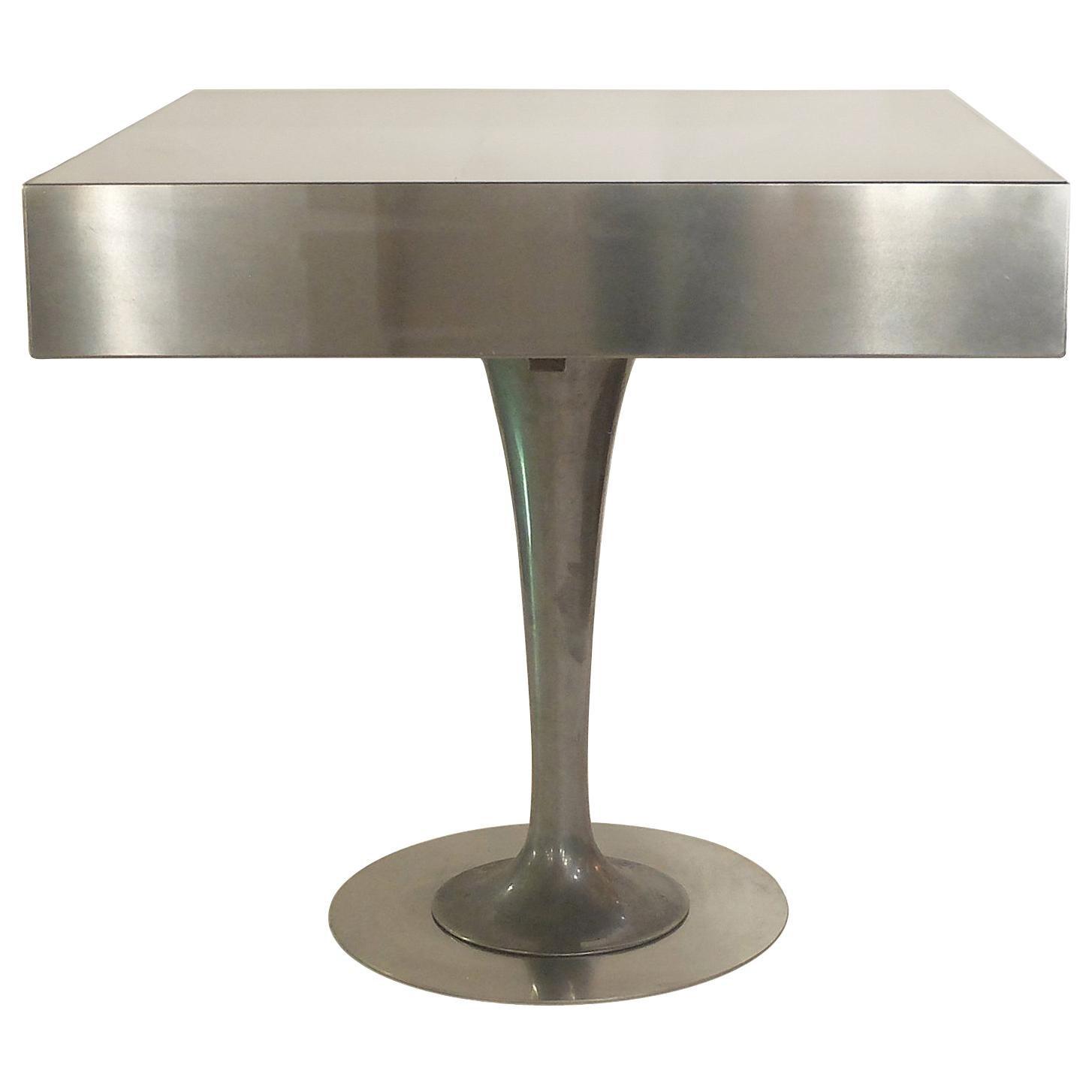 Reinterpretation of a 1940s Table Leg