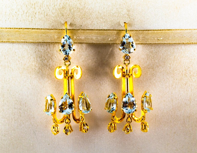 Renaissance 10.36 Carat White Diamond Aquamarine Yellow Gold Chandelier Earrings In New Condition For Sale In Naples, IT