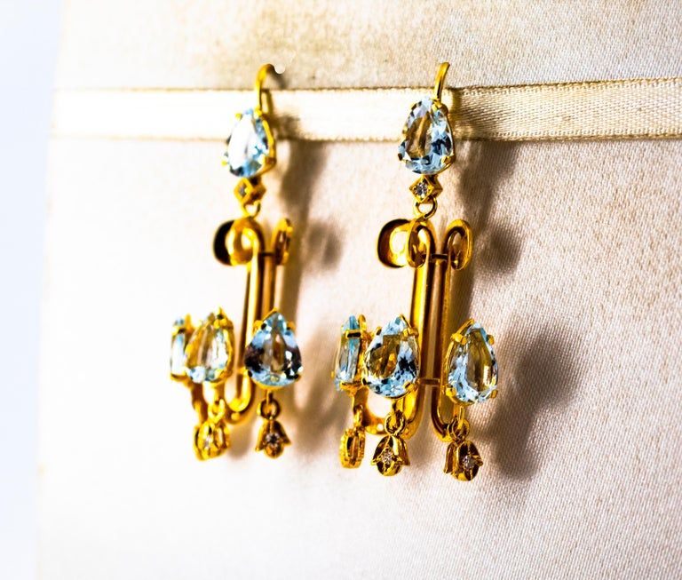 Renaissance 10.36 Carat White Diamond Aquamarine Yellow Gold Chandelier Earrings For Sale 1