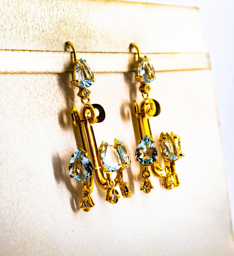 Renaissance 10.36 Carat White Diamond Aquamarine Yellow Gold Chandelier Earrings For Sale 2