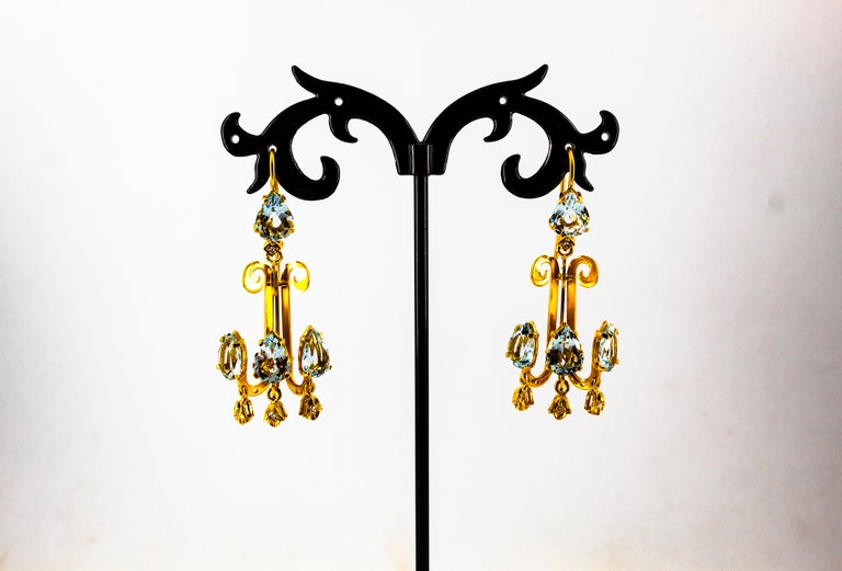 Renaissance 10.36 Carat White Diamond Aquamarine Yellow Gold Chandelier Earrings For Sale 3