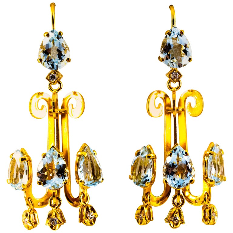 Renaissance 10.36 Carat White Diamond Aquamarine Yellow Gold Chandelier Earrings For Sale