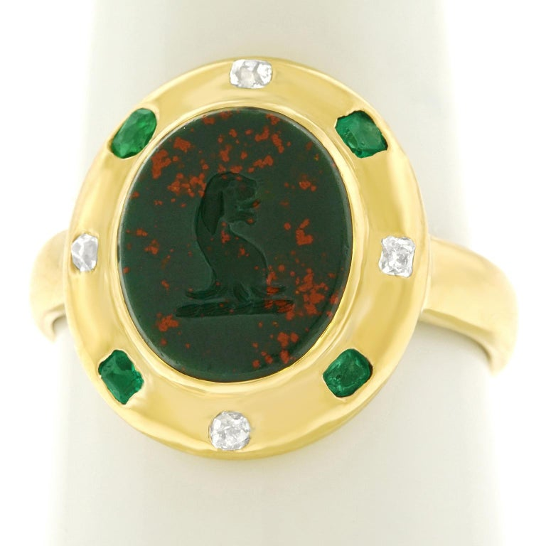 Women's or Men's Renaissance Revival Bloodstone Signet Ring 18 Karat, circa 1890s For Sale