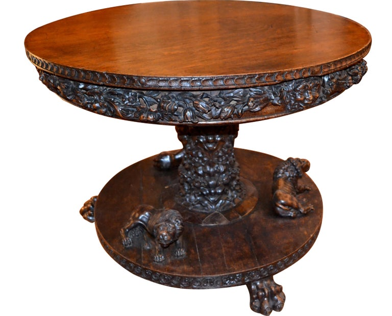 English 19 Century Renaissance Revival Center Table In Good Condition For Sale In Vancouver, British Columbia