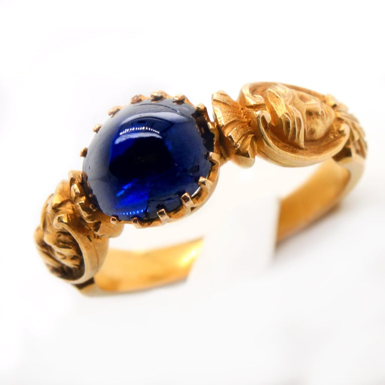 Renaissance Revival Sapphire and Gold Ring, circa 1840s In Good Condition For Sale In Idar-Oberstein, DE