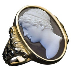 Renaissance Revival Unisex Gold Ring with Antique Sardonyx Cameo