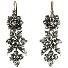 Renaissance Style 1.60 Carat White Diamond Yellow Gold Lever-Back Earrings