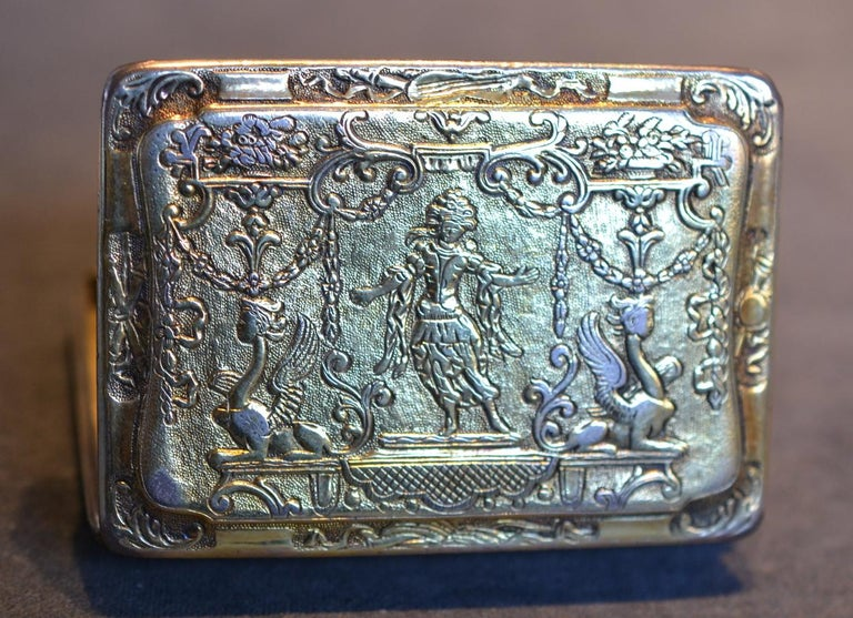 Renaissance Style circa 1790 German Sterling Silver Gilt Snuff Box In Fair Condition For Sale In Firenze, IT