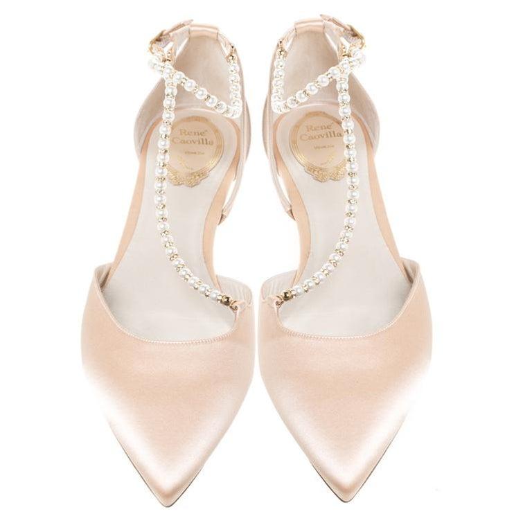 Renè Caovilla Beige Satin Faux Pearl Ankle Wrap Pointed Toe Flats Size 40.5 In New Condition For Sale In Dubai, Al Qouz 2