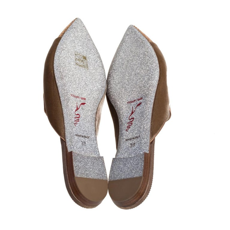 Women's René Caovilla Beige Velvet Crystal Embellished Pointed Flat Mules Size 38 For Sale