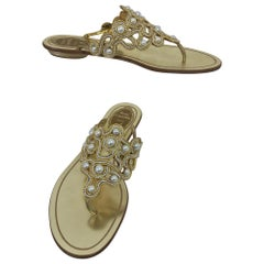 Rene Caovilla Thong Sandals in Gold Leather and Pearls 37