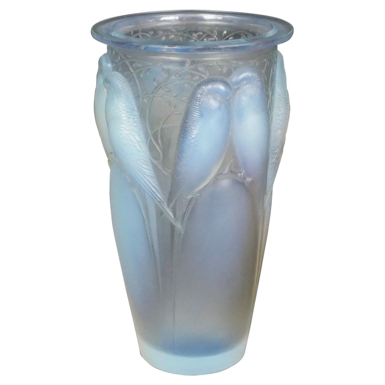"René Lalique ""Ceylan"" an Art Deco Opalescent Glass Vase French, Circa 1930"