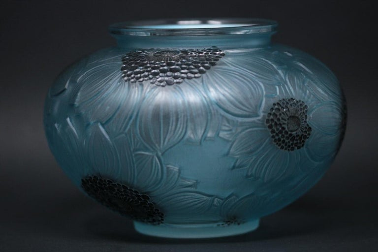 French René Lalique Clear and Frosted Glass 'Dahlia' Vase