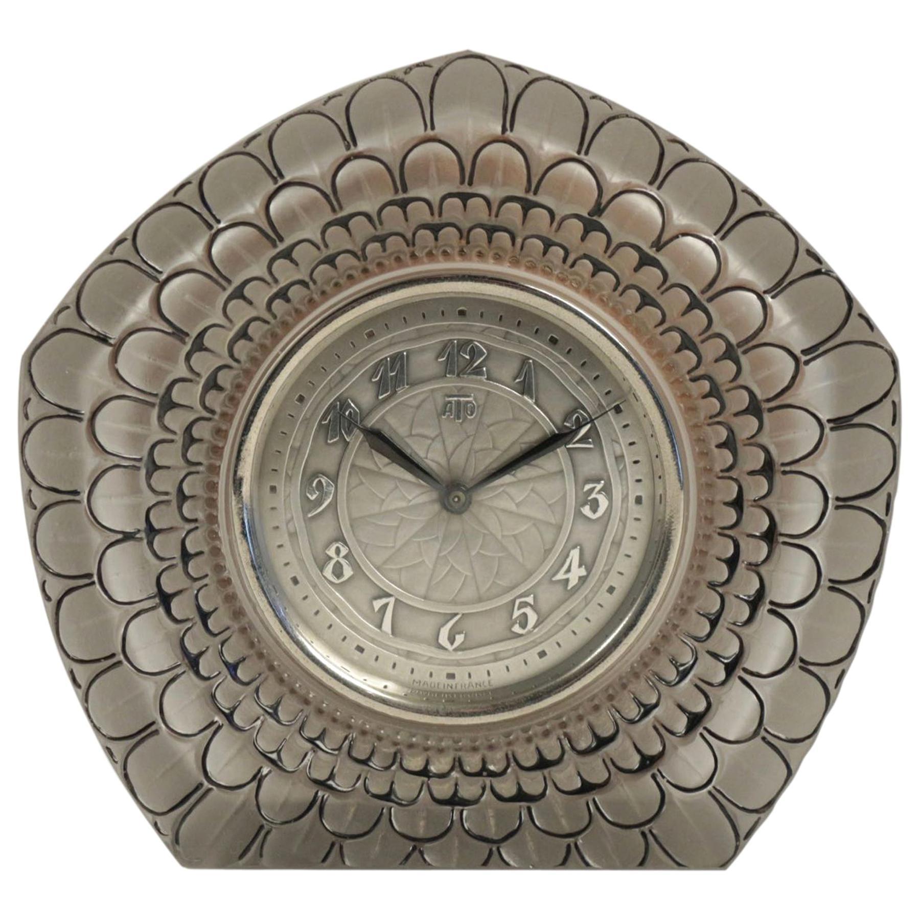 "René Lalique ""Dalhia"" Clock"
