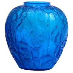 """René Lalique Electric Blue Vase """"Perruches"""""""