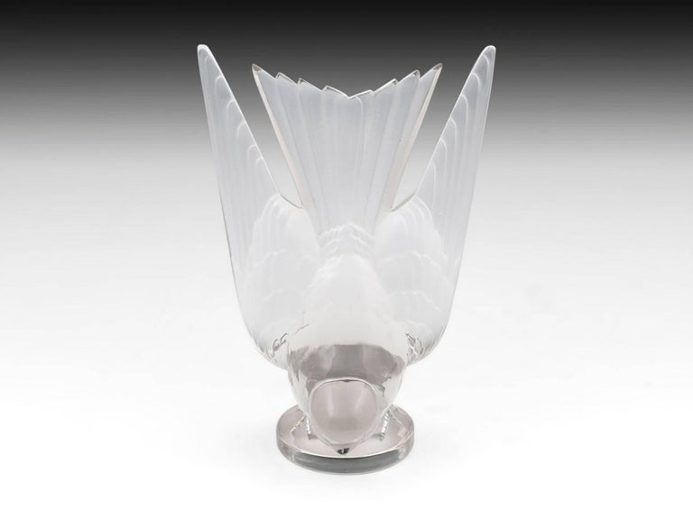 Rene Lalique Glass Hirondelle / Swallow Car Mascot with Mount 20th Century For Sale 4