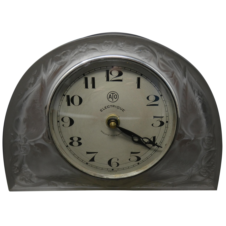 René Lalique Glass 'Moineaux' Sparrows Clock