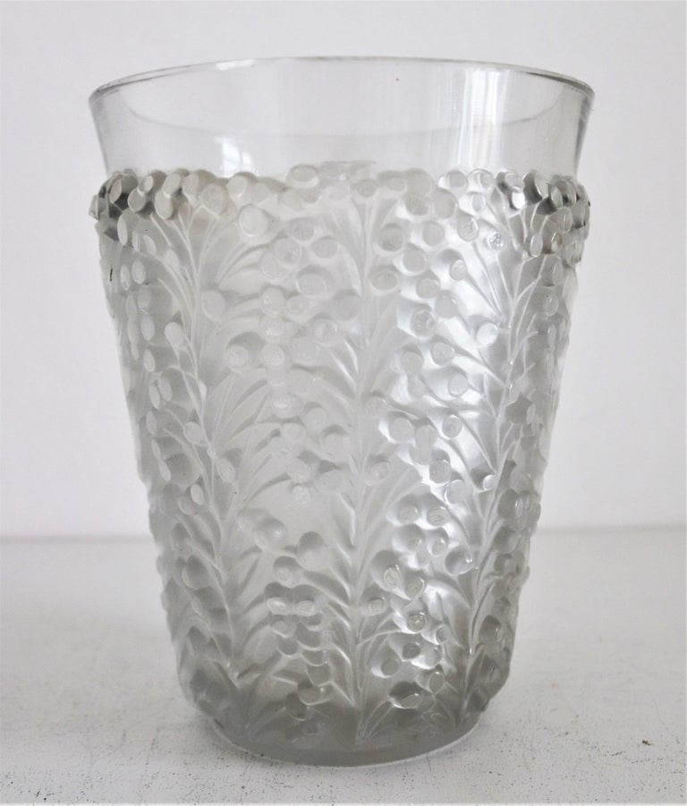 René Lalique Glass Vase with Frosted Leaves and Berries, France, circa 1937 For Sale 3