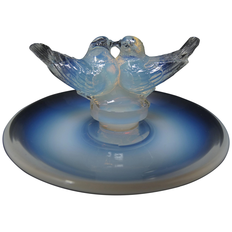 René Lalique Opalescent Glass 'Deux Colombes' Cendrier Ashtray