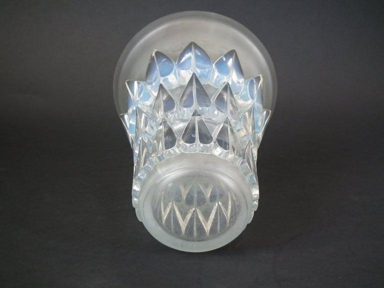 Art Deco Rene Lalique Opalescent Glass 'Feuilles' Vase For Sale