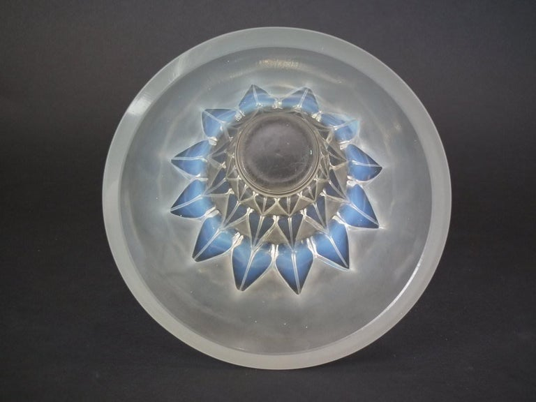 French Rene Lalique Opalescent Glass 'Feuilles' Vase For Sale