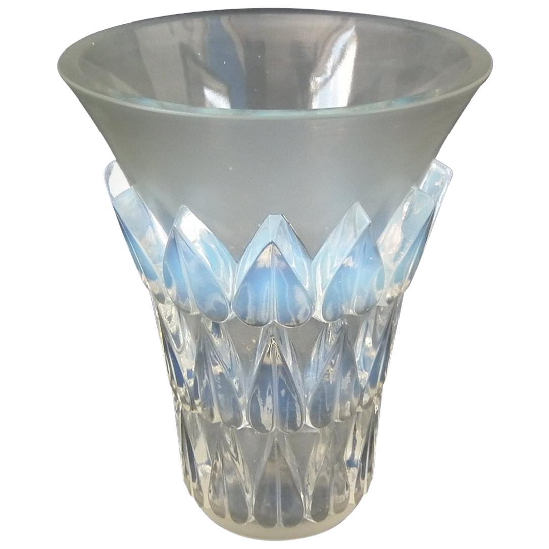 Rene Lalique Opalescent Glass 'Feuilles' Vase