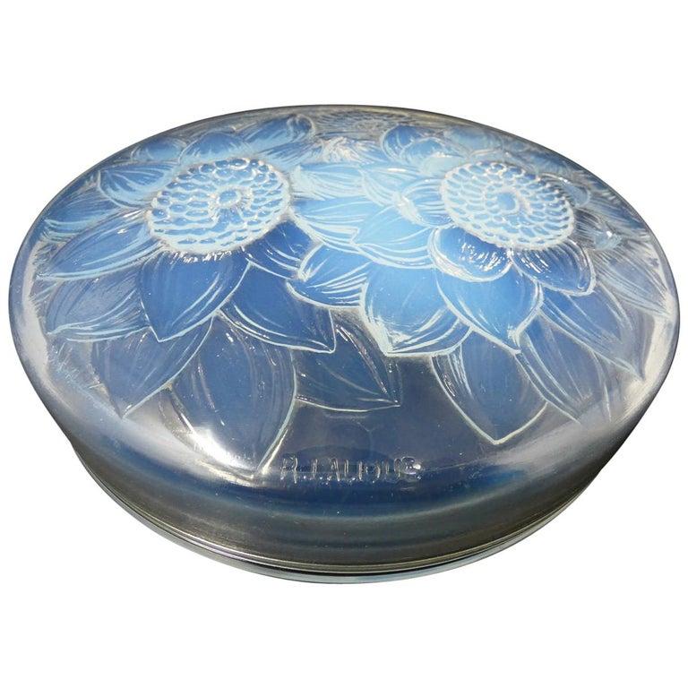 René Lalique Opalescent Glass 'Trois Dahlias' Box For Sale