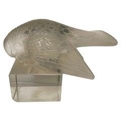 Rene Lalique Paperweight Moineau Sur Socle Ailes Ouvertes