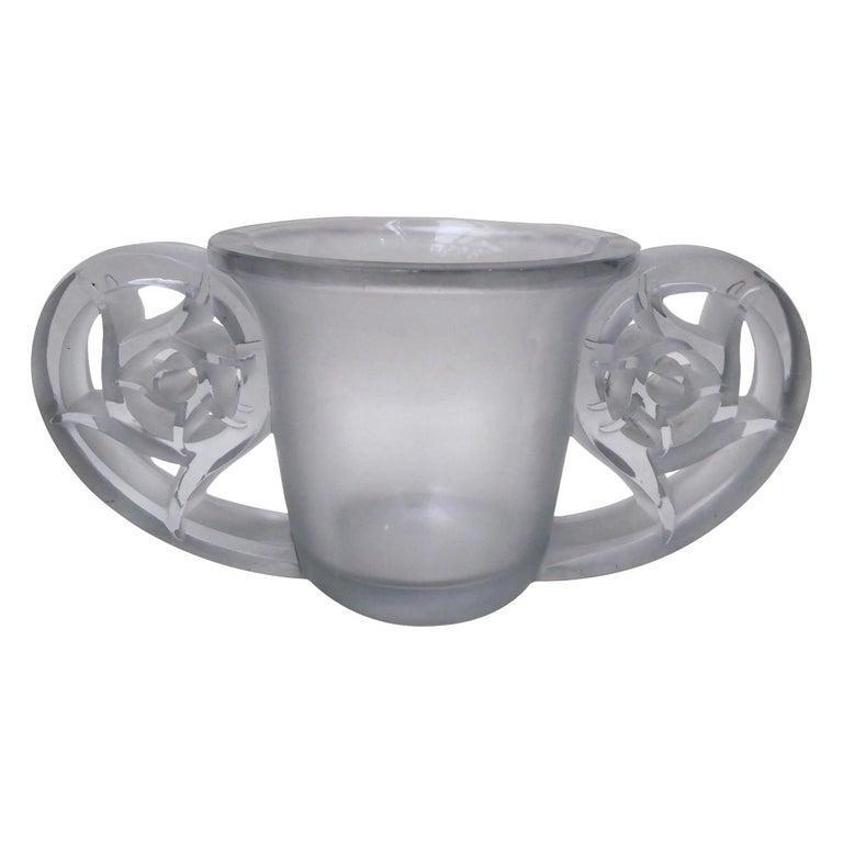 """René Lalique Vase """"Pierrefonds"""" For Sale"""
