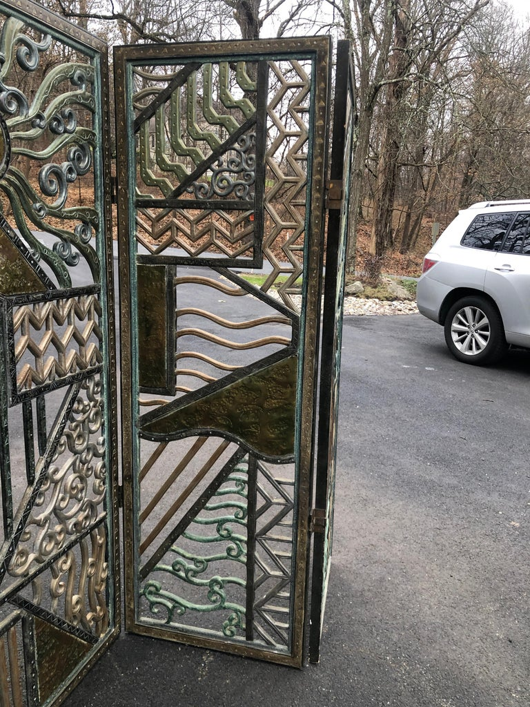 Rene Paul Chambellan Style Art Deco Screen Mixed Metal In Good Condition For Sale In Allentown, PA