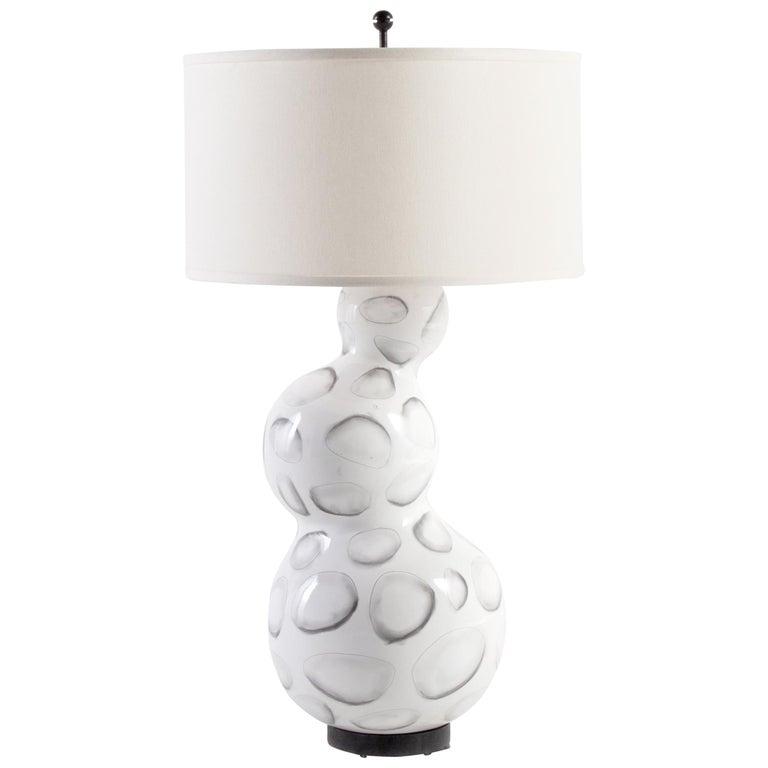 Reng, Sheru, Gloss White Glazed Ceramic with Stylized Shell Design Lamp For Sale