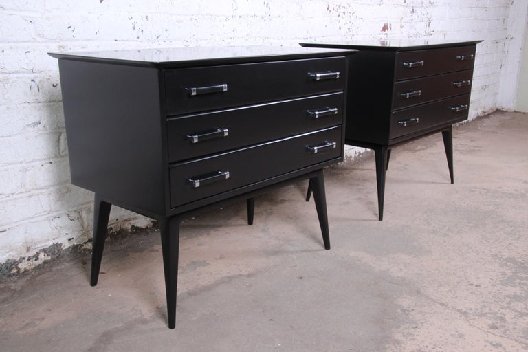 Renzo Rutili Black Lacquered Bachelor Chests or Large Nightstands Newly Restored In Good Condition For Sale In South Bend, IN
