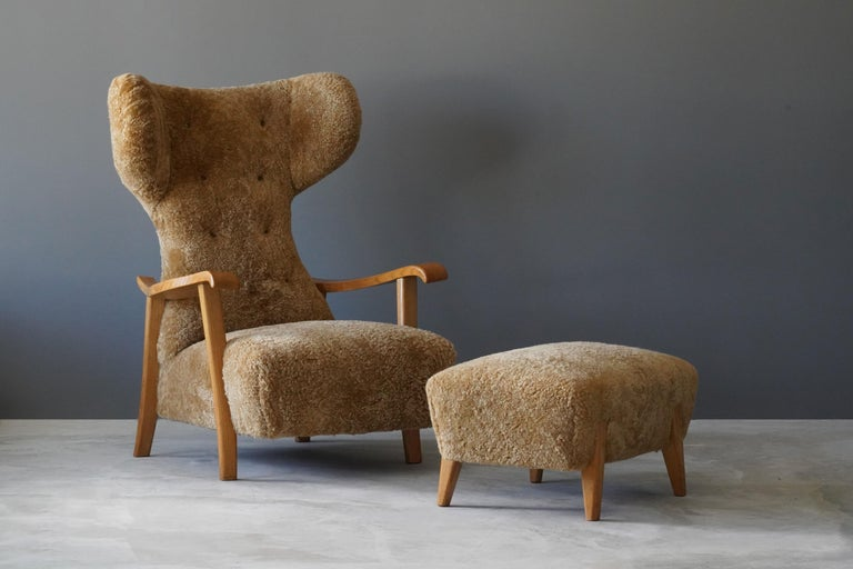 Organic Modern Renzo Zavanella (Attribution) Lounge Chair, Ottoman, Sheepskin, Oak, Italy 1940s