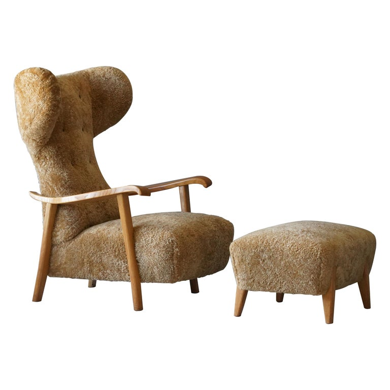 Renzo Zavanella (Attribution) Lounge Chair, Ottoman, Sheepskin, Oak, Italy 1940s