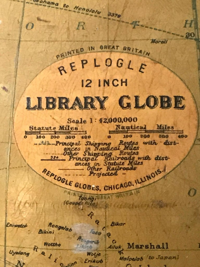 Replogle 12 inch library globe, Seale 1 : 42,000, 000