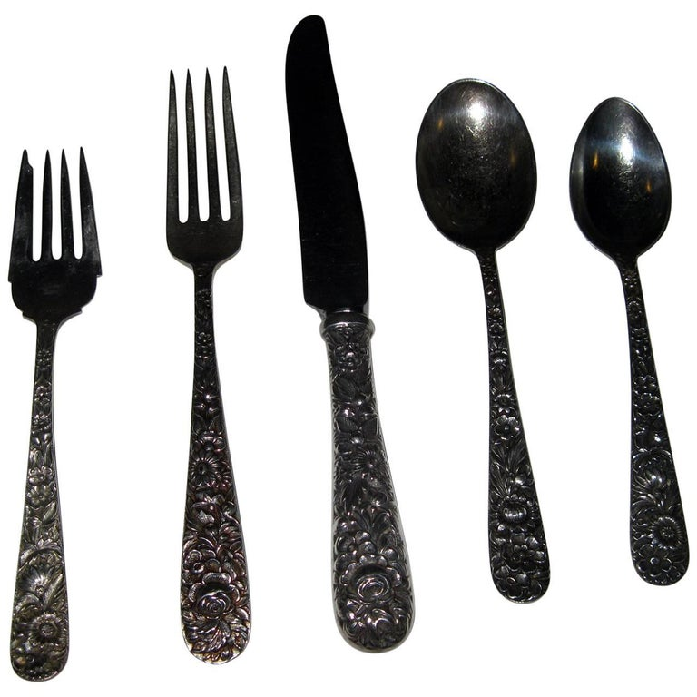 Repousse by Kirk Sterling Silver Flatware 40-Piece Dinner Service for Eight For Sale