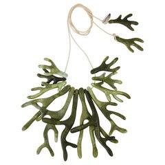 Resin Coral Fan Choker Necklace in Malachite
