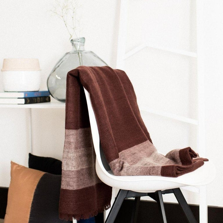 Contemporary RESIN Plush Handloom Throw / Blanket / Bedspread In Warm Reds, Browns & Cream For Sale