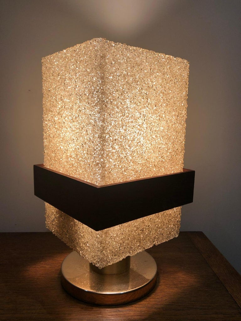 Resin Table Lamp In Good Condition For Sale In Brooklyn, NY