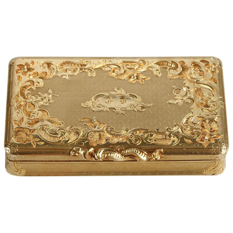 Restauration Gold Boxe in Rocaille Style For Sale