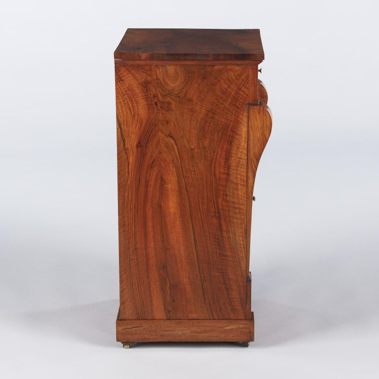 French Restoration Period Walnut Bedside Cabinet, 1820s For Sale 7