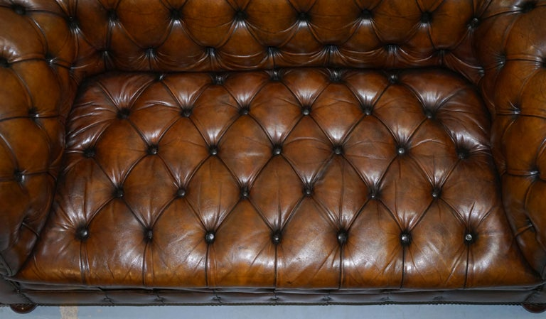 Restored 1900s Chesterfield Buttoned Hand Dyed Brown Leather Sofa Horse Hair For Sale 3