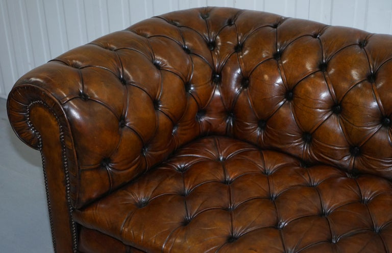 Restored 1900s Chesterfield Buttoned Hand Dyed Brown Leather Sofa Horse Hair For Sale 5